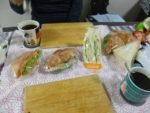 サンドイッチの差し入れを患者様からいただきました!